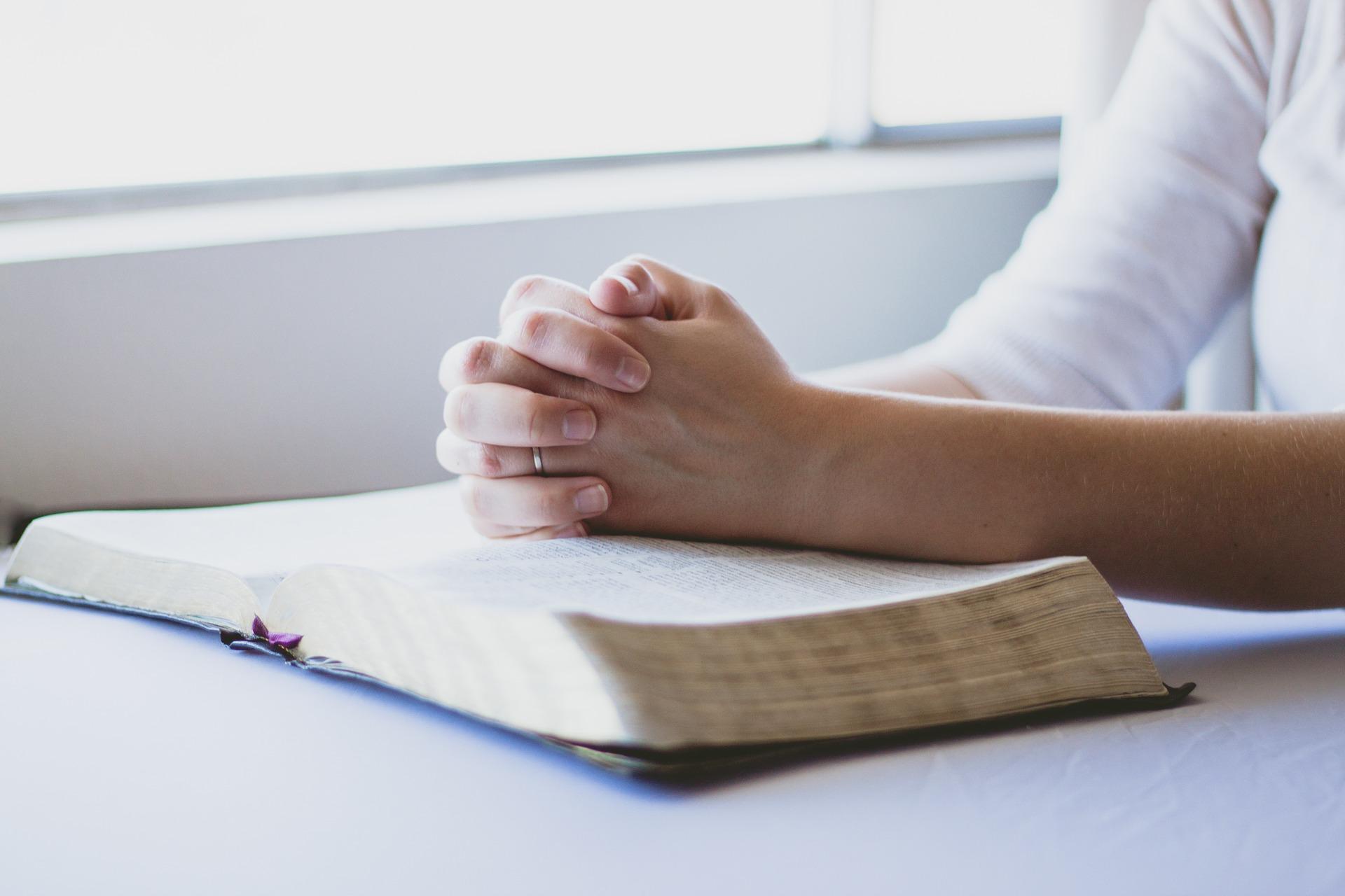 prayer-1308663_1920(1)